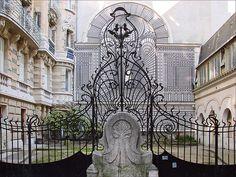 Beautiful Square Rapp to Start Your Art Nouveau Tour in Paris