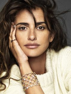 God she is the most beautiful woman!! Penélope Cruz, photographed by Nico for ELLE, Nov 2013.