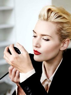 Kate Winslet - beautiful classic makeup, undo, and style here