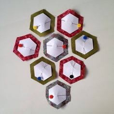 Hexagon Quilt, Quilting For Beginners, Sewing Class, Applique Designs, Pin Cushions, Pillows, Paper Piecing, Couture, Quilt Blocks