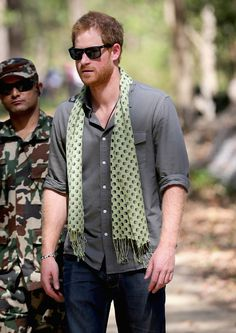 Prince Harry chats to rangers as he learns about 'tiger traps' the WWf and local rangers in Bardia National Park on day three of his visit to Nepal on March 2016 in Bardia, Nepal. Prince Harry is. Prince Henry, Royal Prince, Prince Of Wales, Prince William, Prince Of England, Prince Harry Pictures, Prinz Harry, House Of Windsor, Prince Harry
