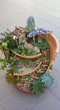 Aprende a construir un jardín para las hadas con las macetas que se quebraron #fairygardening