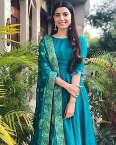 Shop salwar suits online for ladies from BIBA, W & more. Explore a range of anarkali, punjabi suits for party or for work. Silk Kurti Designs, Kurti Designs Party Wear, Salwar Designs, Blouse Designs, Dress Indian Style, Indian Outfits, Ethnic Outfits, Indian Wear, Mode Bollywood