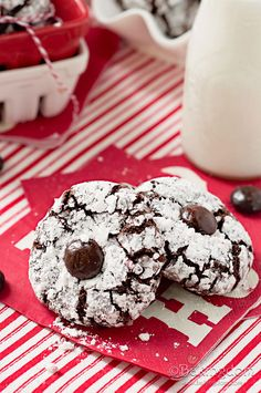 Peppermint Crunch Chocolate Crinkles | Bakingdom