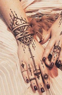 Tribal Boho Ethnic Black Henna Mandala Unalome Hand Tattoo Ideas for Women - Triathlon - Henna Mandala - Hand Henna Designs Henna Tattoo Sleeve, Dotwork Tattoo Mandala, Mandala Hand Tattoos, Sternum Tattoo, Hand Henna, Tribal Hand Tattoos, Small Henna Tattoos, Hand Tattoos For Women, Foot Tattoos