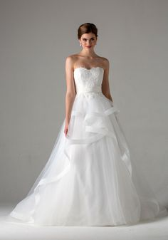 f6943dc56b8e 276 delightful Bridal gowns images