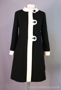 SOLD Vintage 60s MOD Coat Linen Polka Dot Lining Small bust 38 at Couture Allure Vintage Clothing