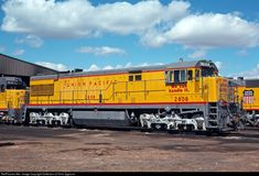 UP 2808 Union Pacific GE at North Platte, Nebraska by Collection of Chris Zygmunt Locomotive Engine, Electric Locomotive, Diesel Locomotive, Steam Locomotive, Union Pacific Train, Union Pacific Railroad, North Platte, Railroad Pictures, Rail Transport