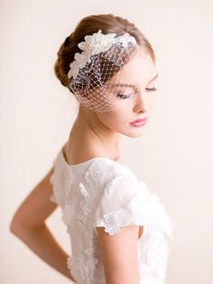 Lace Hair Piece with Small Birdcage Veil – Florentes