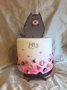 Pusheen birthday cake with fondant donuts, sushi, sashimi, and pizza 22nd Birthday Cakes, Birthday Cake For Cat, Pusheen Cakes, Dipper Cakes, Pusheen Birthday, Pizza Cake, Rabbit Cake, Donut Party, Yummy Cupcakes