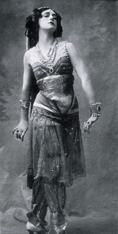 Tamara Karsavina as Zobeide in Schéhérazade 1911 (Zobeide is Sultan's favorite wife who is unfaithful to him and kills herself in the end of the ballet.)