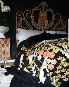 Peacock wicker headboard tree of life quilt and MCM nightstand💜 Dream Bedroom, Home Bedroom, Master Bedroom, Bedroom Decor, Cowboy Bedroom, Duvet Day, Interiores Design, Apartment Living, My Dream Home