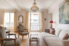 A Chic & Simple Parisian Vacation Apartment #luxuryapartment