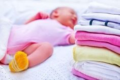 Rotina em uma casa com bebê e sem ajuda Little Babies, Baby Kids, Baby Lernen, Baby Bedroom, Infant Activities, Having A Baby, Baby Wearing, Kids And Parenting, Baby Love