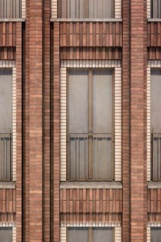 Hotel Grote Markt, Gorningen Müller Reimann Architects - You are in the right place for home de Brick Cladding, Brick Facade, Brick Design, Facade Design, Post Hotel, Brick Projects, Brick Masonry, Brick Art, Brick Architecture