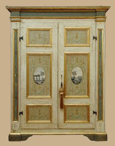 This is an antique painted Italian furniture choosen from our online catalog of antique, rustic, country Italian furniture