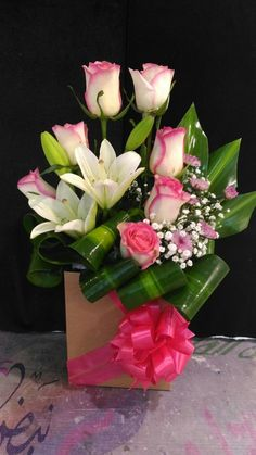 Designer Choice at Oceana Florists. Your local flower shop. Valentine's Day Flower Arrangements, Contemporary Flower Arrangements, Flower Arrangement Designs, Flower Designs, Valentines Flowers, Special Flowers, Arte Floral, Flower Boxes, Floral Bouquets