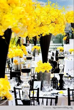 Gorgeous black & yellow wedding theme and table centerpiece.