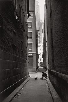 Henri Cartier-Bresson: Manhattan, Downtown, New York, 1947.