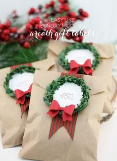50 Christmas DIY Ideas - Think out of the box with those Christmas treats. Recreate a simple brown envelope by adding mini wreaths and messages on top for a more personal touch. Noel Christmas, Christmas Treats, All Things Christmas, Winter Christmas, Christmas Presents, Christmas Cards, Christmas Decorations, Xmas, Christmas Messages