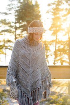 Naisen neulottu poncho Novita Isoveli Free Knitting, Knitting Patterns, Crochet Patterns, Crochet Poncho, Free Crochet, Baby Pullover, Pattern Mixing, Sweaters, Wallpaper