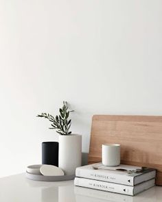 Soul Nourishment: Minimalism Simple steps for decluttered life Home Interior, Interior Styling, Interior Decorating, Minimalist Interior, Minimalist Decor, White Aesthetic, Finding A House, Interiores Design, Home Depot