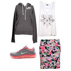 #EstiloMVD Verano deportivo! Cuál es tu preferido? Canguro y zapatillas deportivas de La Cancha. Musculosa y falda de Rip Curl.