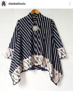 Batik Kebaya, Batik Dress, Blouse Styles, Blouse Designs, Modest Fashion, Hijab Fashion, Blouse Batik Modern, Kebaya Modern Hijab, Outer Batik