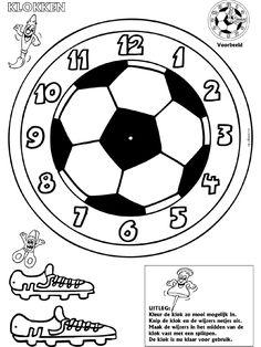 Voetbal - Klokken maken - Knutselpagina.nl - knutselen, knutselen en nog eens knutselen. Telling Time Games, Cheetah Drawing, Math Clock, Clock Face Printable, Creative Writing Ideas, Sport Craft, Teaching Time, Barcelona Soccer, Soccer Party