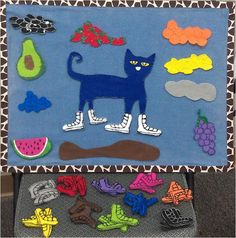 Pete the Cat Flannel Board Activity (from What is Bridget Reading? Flannel Board Stories, Felt Board Stories, Felt Stories, Flannel Boards, Pete The Cat Author, Pete The Cats, Cat Crafts, Book Crafts, Memorial Day