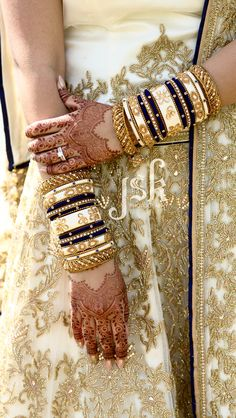 Elegant bangles sets for your wedding you have never seen anywhere. Some of the most beautiful bangles sets for brides. Silk Thread Bangles Design, Silk Bangles, Bridal Bangles, Bridal Jewelry, Thread Jewellery, Diamond Jewellery, Indian Jewelry Sets, Indian Wedding Jewelry, Indian Bridal