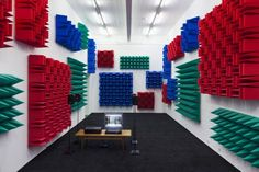 Artist Haroon Mirza Manipulates Electronic Sounds, Light Effects And Readymades Like A Mad Scientist Lisson Gallery, Sound Installation, Audio Room, Nyc Art, Light Effect, Museum Of Modern Art, Contemporary Art, Monitor, Digital