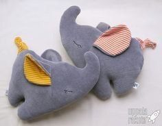 Little sleeping elephant to cuddle – idea in the link - Stofftier Baby Sewing Projects, Sewing For Kids, Diy For Kids, Softies, Tilda Toy, Diy Bebe, Diy Couture, Fabric Toys, Baby Rattle