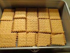 Σοκολατένιο γλυκάκι πολύ γρήγορο!! Με γεύση που ξετρελαίνει !! ~ ΜΑΓΕΙΡΙΚΗ ΚΑΙ ΣΥΝΤΑΓΕΣ Apple Strudel, Greek Recipes, Cake Cookies, Food Hacks, Food And Drink, Cooking Recipes, Sweets, Desserts, Blog