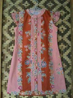 8 Batik Kebaya, Batik Dress, Myanmar Traditional Dress, Traditional Dresses, Ethnic Outfits, Ethnic Clothes, Baby Frocks Designs, Batik Fashion, Frock Design