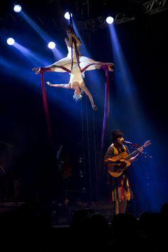 A magia de O Teatro Mágico no Caxias em Cena. Foto: Douglas Trancoso.