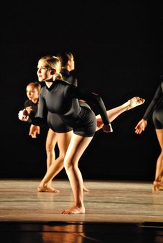using running as part of choreography in modern dance