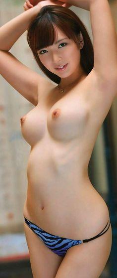 Nude female selfy