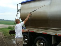 Tri- State Professional Power Washing Services, Power Washing commercial trucks #712-348-6574