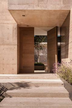 Portas de entrada por Gantous Arquitectos