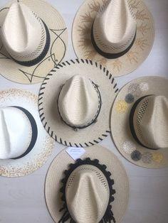 """gousto mou ke capelo mou""  Elena Chalati / Elena Chalati ""Be With You"" #hat #fashion #mystyle #elenachalati #elenachalatibewithyou #goustomoukecapelomou  #hat #handcrafted"