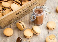 Détails sur la recette Nom de la recetteAdorables petits biscuits auxquels vous ne pourrez pas résister (sablés et crémeux au chocolat noir)Publiée le 2016-01-05Temps de préparation 1HTemps de cuisson 0H25M Temps total (avec temps de repos) 1H25Note 5 Based on … Brownie Cookies, Cake Cookies, Macaron Coco, French Patisserie, Bite Size Desserts, Cookie Crumbs, French Pastries, Recipe Images, Cookies Et Biscuits