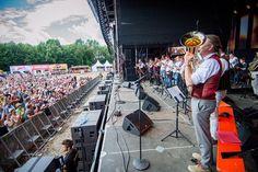 Thomas Gansch und die Egerländer Musikanten at @woodstockderblasmusik  http://planitz.at  #love #peace #blasmusik #festival #musikfestival #blasmusikfestival #woodstockderblasmusik #woodstock #woodstock16 #woodstock2016 #wdb  #concertphotography #concertphotographer  #mainstage #band #musiker #thomasgansch #party #stimmung #publikum #crowd #spaß #grenzenlosanders  #nikon #d810 #70200mm28 #50mm14 #d3100 #1224mm  #rolandplanitz