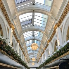 🎄🎁 It's beginning to look a lot like Christmas in Queen's Arcade, Belfast! Be sure to call in and see us when you're doing your festive shopping. 🎁🎄