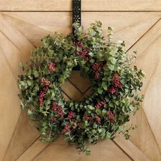 Merry Berry Holiday Wreath.