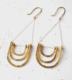 Layered-arc-dangling-earrings-make-pie-1425498598