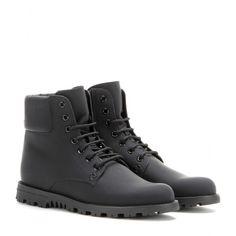 mytheresa.com - Lederboots - Flacher Absatz - Stiefeletten - Schuhe - Gucci - Luxury Fashion for Women / Designer clothing, shoes, bags