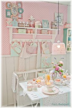 Pretty...shabby...chic....pink!