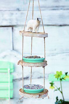 Einfacher Futterplatz für Vögel zum Nachbauen