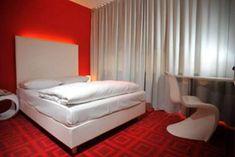 11 gute und günstige Hotels in Hamburg – TRAVELBOOK Hotel Imperial, Motel One, Das Hotel, Mattress, Bed, Furniture, Home Decor, Double Room, Germany